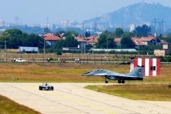 Kralev bindt de strijd aan met een MiG