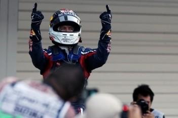 Vettel in de wolken met tweede wereldtitel