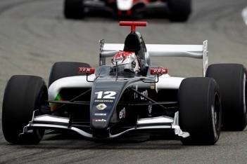 Costa voor eigen publiek naar pole-position