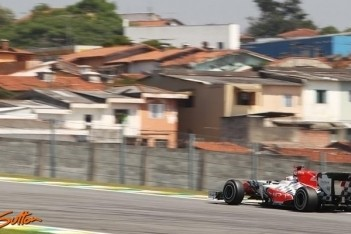 Charouz geniet van eerste Formule 1-training