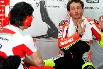 Rossi succesvol geopereerd aan rechterbeen