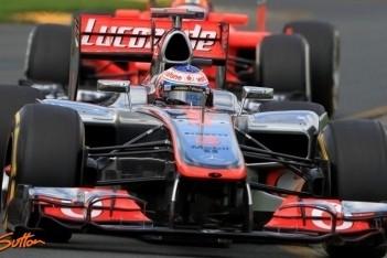 Button feliciteert Hamilton met behalen pole