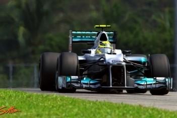 Rosberg bovenaan in laatste training Sepang