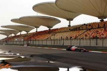 Hamilton snelste in derde training Shanghai