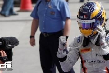 Dillmann pakt eerste GP2-zege in Bahrein