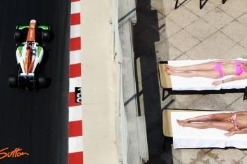 Force India met twee wagens in de punten