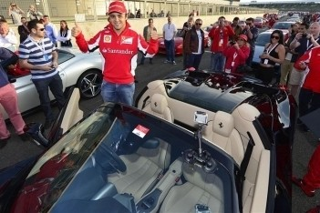 Massa zet nieuw wereldrecord neer in Silverstone