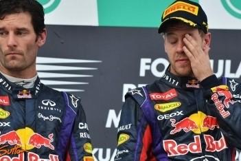 Vettel klopt Webber in Maleisische broedertwist