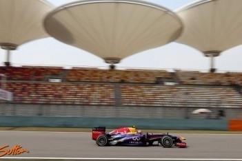 Webber start Chinese Grand Prix vanuit pitstraat