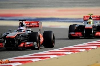 Button en Perez klaren de lucht na Bahrein