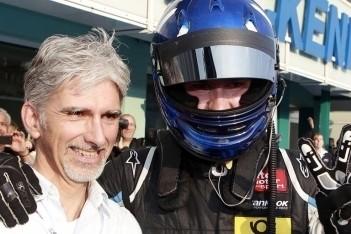 Zoon Damon Hill stopt per direct met racen