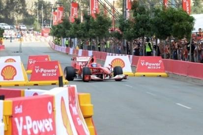 Ferrari-testrijder Gené zet demo neer in Soweto