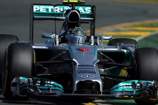Mercedes met Rosberg oppermachtig in derde training