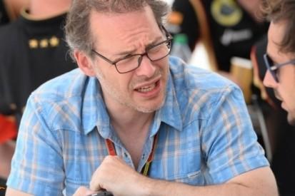 """Villeneuve: """"Safety car bij elk ongeval de baan op"""""""