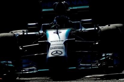 Rosberg troeft Hamilton af in laatste vrije training