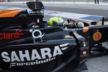 Force India test met LED-display op enginecover