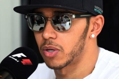 """Hamilton: """"Vraag van Horner aan FIA is grappig"""""""