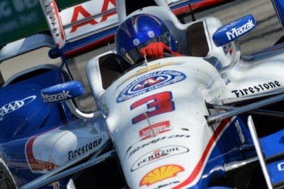 Castroneves met record naar pole in Long Beach