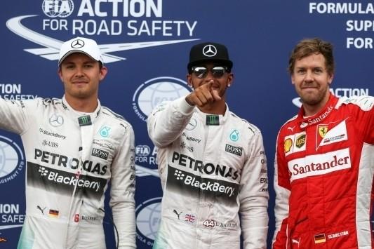 Hamilton pakt pole in Monaco, Verstappen negende