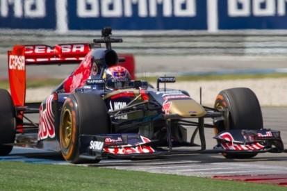 Verstappen voor het eerst in actie met F1-auto op TT Circuit