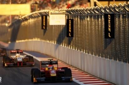 Rossi wint ingekorte race en stelt titelfeest Vandoorne uit