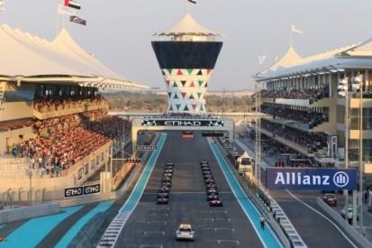 Line-up voor de bandentest van Pirelli
