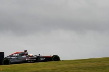 """Watson: """"McLaren twaalf maanden achter op schema"""""""