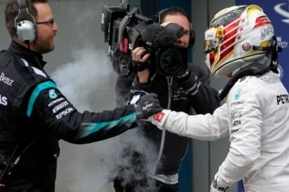 Pole Hamilton, Verstappen schittert met vijfde tijd