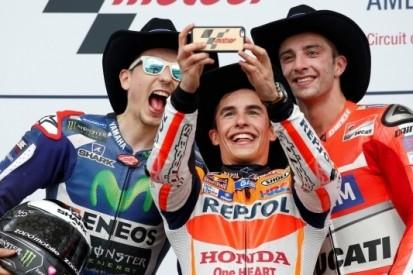 Rossi, Pedrosa en Dovizioso crashen in Austin, Marquez wint