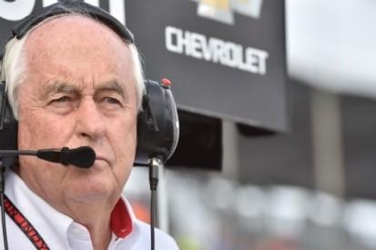 Roger Penske bestuurt pacecar tijdens 100ste Indy 500