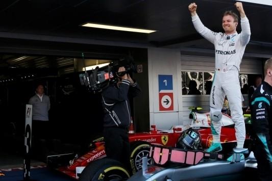 Vierde zege voor Rosberg in Sotsji, motorpech Verstappen