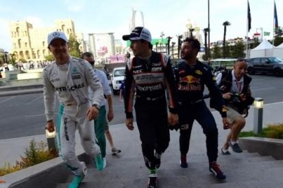 Rosberg na crash Hamilton op pole, Verstappen negende