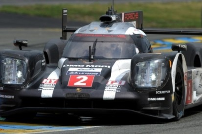 Porsche verslaat Toyota na bizarre slotfase op Le Mans