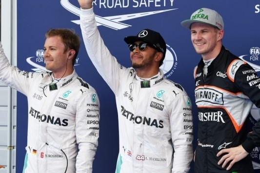 Hamilton grijpt pole, Hülkenberg op eerste startrij