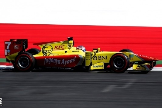 Evans wint spectaculaire GP2-openingsrace op Red Bull Ring