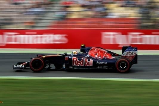 Drie plaatsen gridstraf voor Sainz na akkefietje met Massa