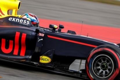 Tevreden Verstappen geniet van duel met Ricciardo