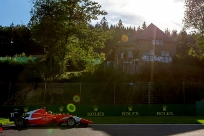 Aitken wint spectaculaire sprintrace GP3 in Spa