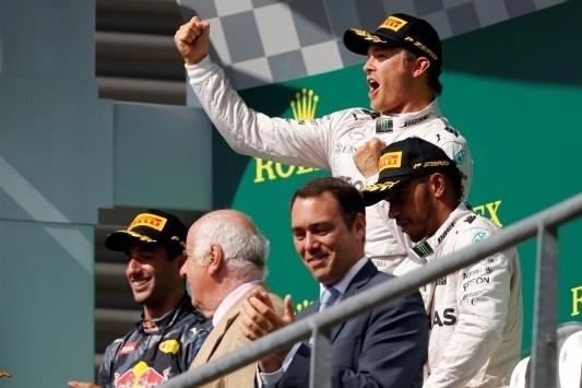 Rosberg wint in Spa, deceptie voor Verstappen