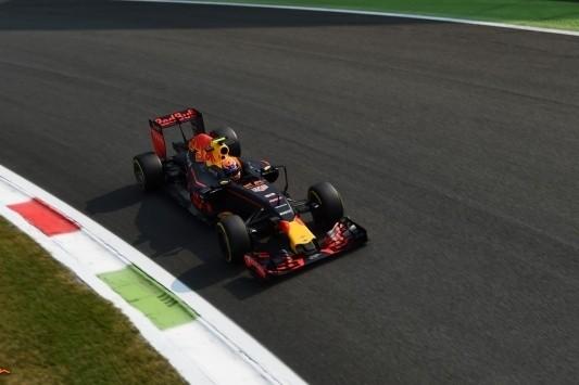 """Verstappen: """"Wordt lastig om Ferrari's hier te verslaan"""""""