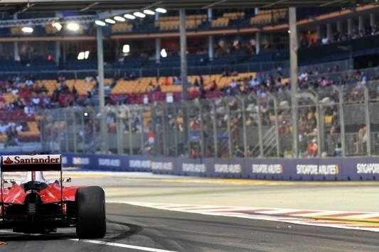 Nieuwe versnellingsbak voor Vettel en Grosjean