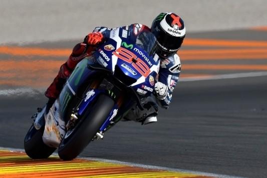 Lorenzo sluit Yamaha-tijdperk af met overwinning