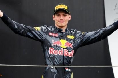 """Verstappen steelt de show: """"Ongelooflijke race"""""""