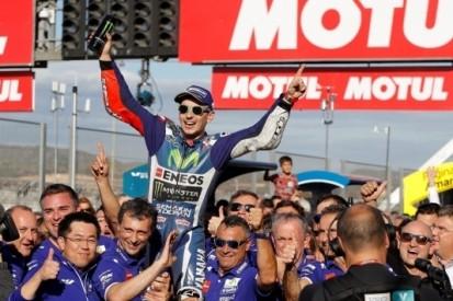 """Lorenzo wint laatste race voor Yamaha: """"Erg emotioneel"""""""