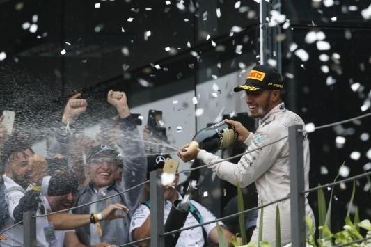"""Hamilton wint op 24ste locatie: """"Eindelijk, na zoveel jaar"""""""
