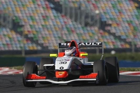 Opmeer meteen bovenaan bij Formule Renault 2.0-test