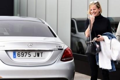 Susie Wolff rijdt te hard en verliest rijbewijs voor half jaar