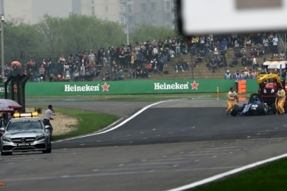 Grosjean en Palmer vijf plekken naar achteren op startgrid