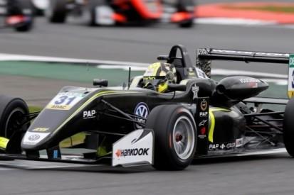 Norris zegeviert ook op Monza, compleet Carlin-podium