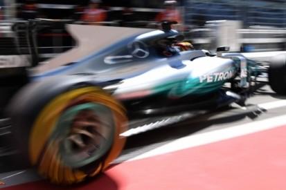 """Hamilton weet reden van P4: """"Simpelweg niet snel genoeg"""""""